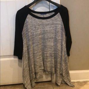 Raglan tunic -black & grey. Size M